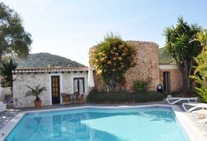 Ibiza business B & B villa for sale close to Ibiza town with 10 bedrooms 7
