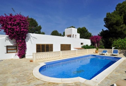 4 bedroom bargain villa for sale San Jose Ibiza close to beach 2