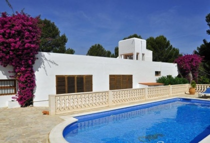 4 bedroom bargain villa for sale San Jose Ibiza close to beach 5