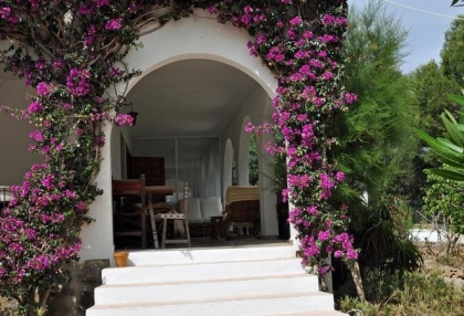 4 bedroom bargain villa for sale San Jose Ibiza close to beach 6