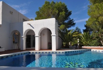 3 bedroom finca for sale Santa Eularia Ibiza with countryside views 1