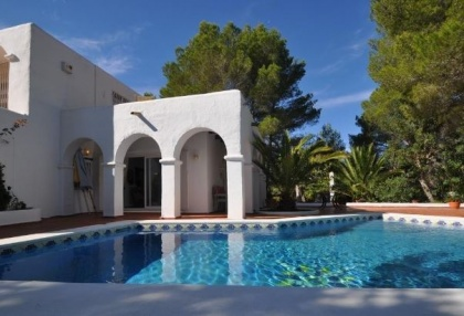3 bedroom finca for sale Santa Eularia Ibiza with countryside views 2