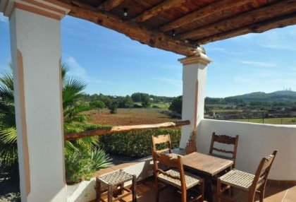 Cottage style holiday home for sale Santa Gertrudis Ibiza countryside views 1