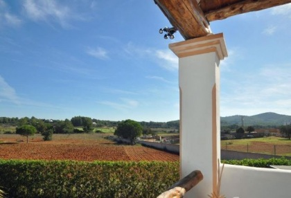 Cottage style holiday home for sale Santa Gertrudis Ibiza countryside views 6