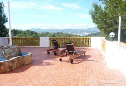 small-complex-of-apartments-making-ideal-business-venture-in-ibiza_1