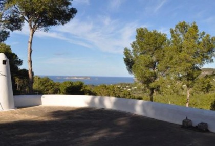 Traditional home offered for sale close to Cala Vadella and requiring an update_17