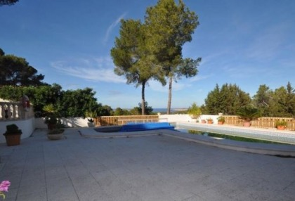 Traditional home offered for sale close to Cala Vadella and requiring an update_3