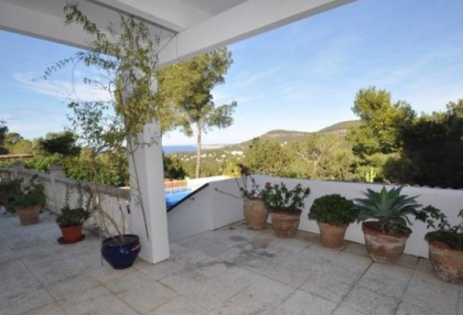 Traditional home offered for sale close to Cala Vadella and requiring an update_6