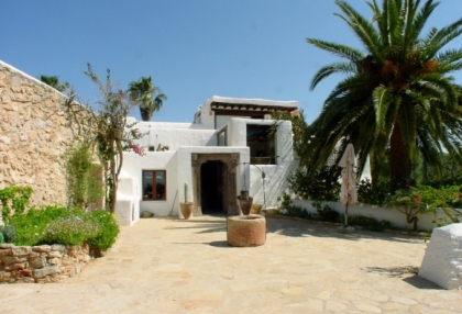 fabulous-14-bedroom-luxury-mansion-for-sale-ibiza-close-to-marina-botafoch-3