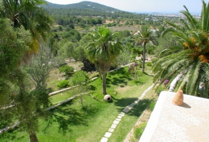 fabulous-14-bedroom-luxury-mansion-for-sale-ibiza-close-to-marina-botafoch-8