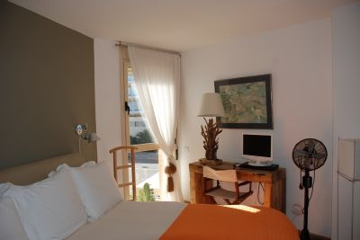 apartment-for-sale-close-to-the-sea-in-playa-den-bossa-ibiza_8