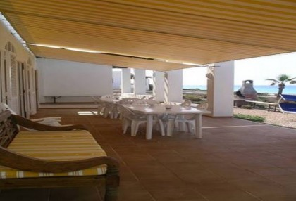 Formentera villa frontline to the sea with guest annexe apartment 1