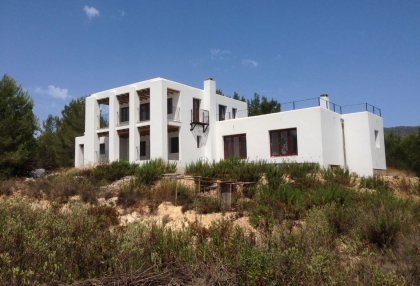 Es Cubells Ibiza luxury unfinished villa for sale in over 6 acres of land with distant sea views 4