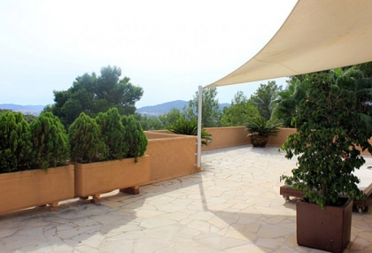 Can Furnet Ibiza house for sale with distant sea views 8