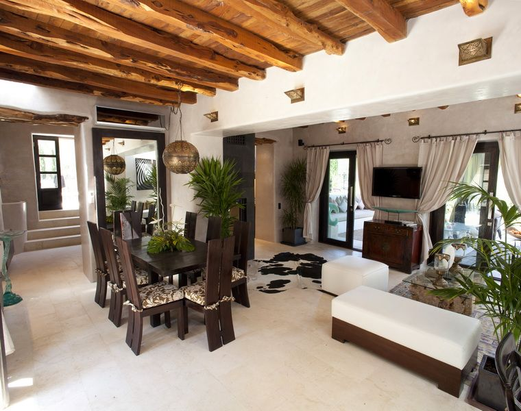 Subtantial country estate with about 42 000 sqm of land for Ibiza country villas