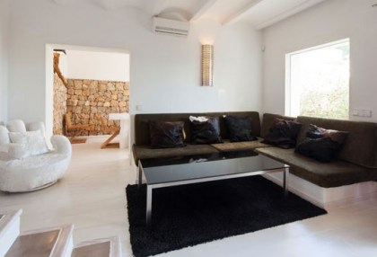 Sea view home for sale in Cala Moli Ibiza recently modernised_3