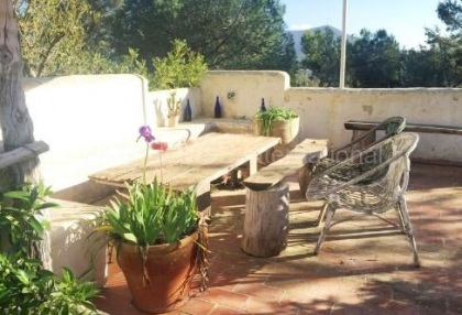 Authentic finca for sale within walking distance of Santa Eularia_2