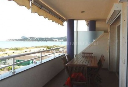 First line sea view apartment for sale in cala de bou_5