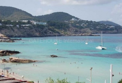 Two bedroom apartment close to the sea in Cala Tarida_4