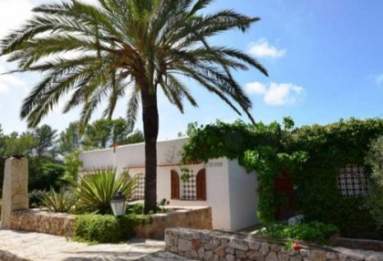 Detached house for sale with distant sea views close to Cala Tarida_1