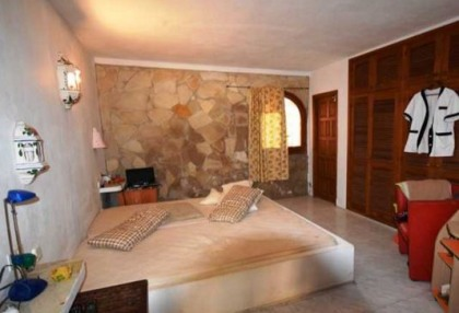Detached house for sale with distant sea views close to Cala Tarida_6