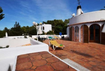 Detached house for sale with distant sea views close to Cala Tarida_7