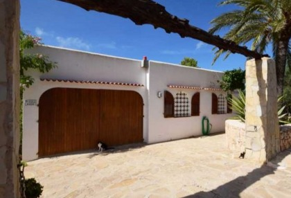 Detached house for sale with distant sea views close to Cala Tarida_8