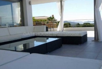 Modern luxury villa for sale in Vista Alegre_9