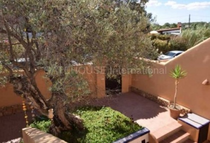 Townhouse with sea views for sale in Cala Conta _6