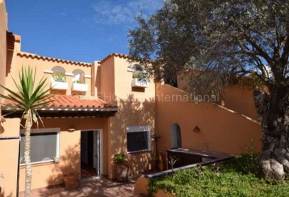 Townhouse with sea views for sale in Cala Conta _s