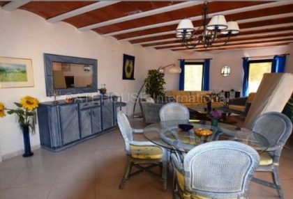 Detached villa for sale converted to 5 apartments in Santa Eularia_5