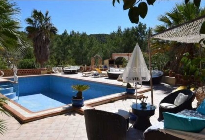 Detached villa for sale converted to 5 apartments in Santa Eularia_8