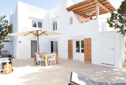 Large house into two homes in Cala Vadella_11