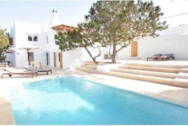 Large house into two homes in Cala Vadella_s