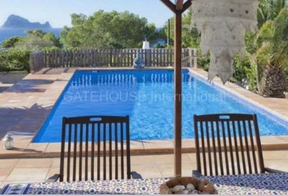 House with sea views in Cala Conta_1