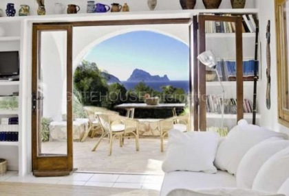 House with sea views in Cala Conta_5