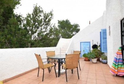 Renovated house for sale in Cala Tarida_3