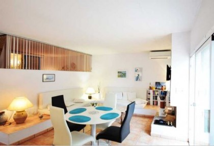 Renovated house for sale in Cala Tarida_8