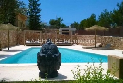Modern apartment for sale in Cala Tarida_6