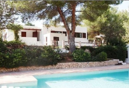 Two homes on a large plot in Es Cubells_2