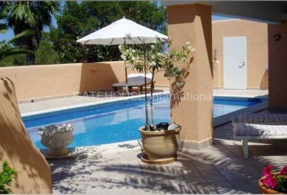 Detached home for sale in Cala Tarida divided into two units_2