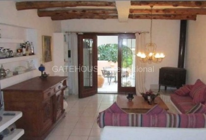 Detached home for sale in Cala Tarida divided into two units_4