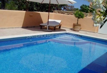 Detached home for sale in Cala Tarida divided into two units_8