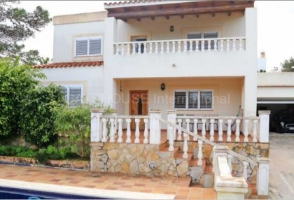 House for sale close to the beach in San Agustin_1