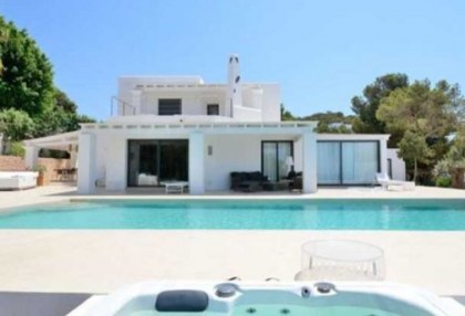 Villa with sea and sunset views in Cala Vadella_s
