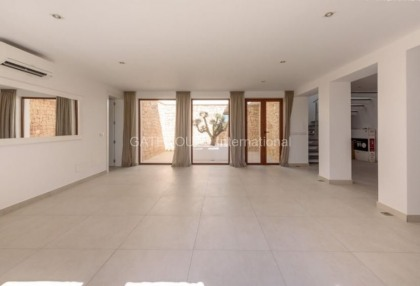 Luxury home recently renovated in Santa Eularia_6