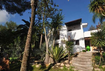 Large detached finca that would be ideal B & B opportunity_1