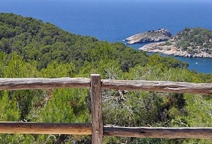 House for sale in Cala Salada with sea views_4