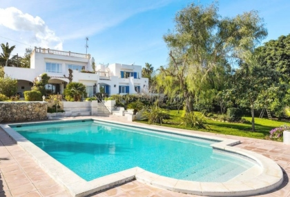 Detached villa with private pool for sale in Siesta, Santa Eularia_1