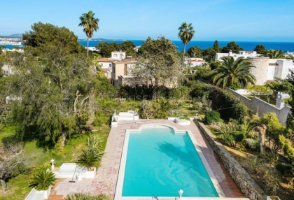 Detached villa with private pool for sale in Siesta, Santa Eularia_3